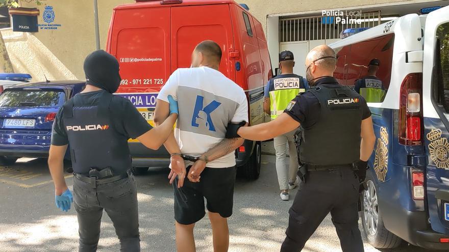 Mallorca-Urlauber bestohlen: Polizei nimmt Diebesbande fest