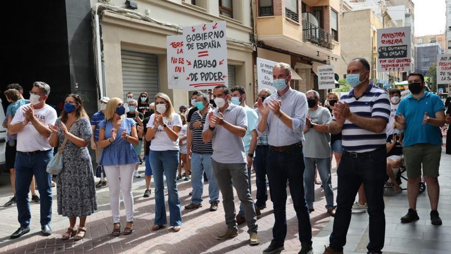 Los vecinos de Torre la Sal se manifiestan en Castelló para salvar sus viviendas