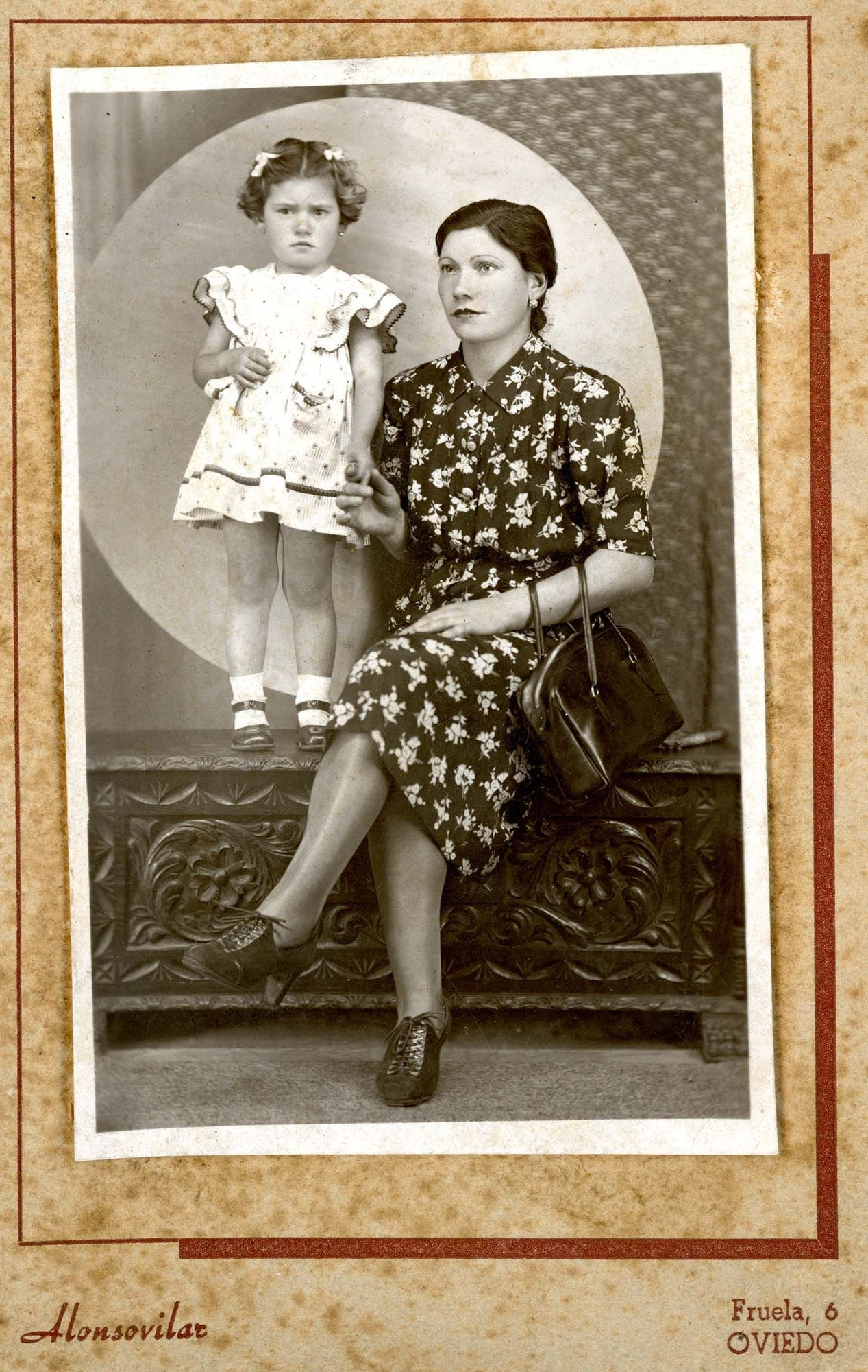 Alonsovilar (Oviedo). Retrato de estudio, h. 1950. | Donación de Pedro Pardo