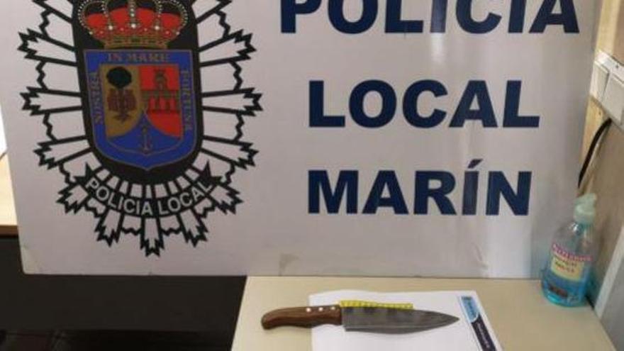 Un hombre agrede a su vecino con un cuchillo de 20 centímetros en Marín