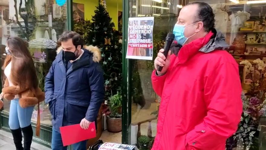 Protestas de los comerciantes de Don Benito por el cierre de sus negocios