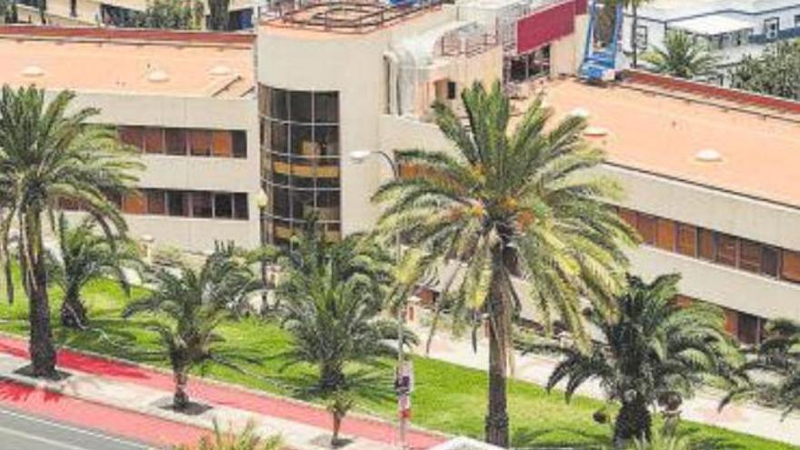 Canarias busca instalar placas solares en el 7,5% de la superficie total de cubiertas