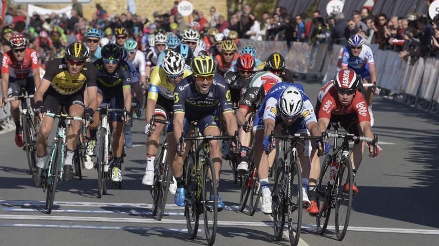 Albasini se impone al sprint y Matthews sigue de líder