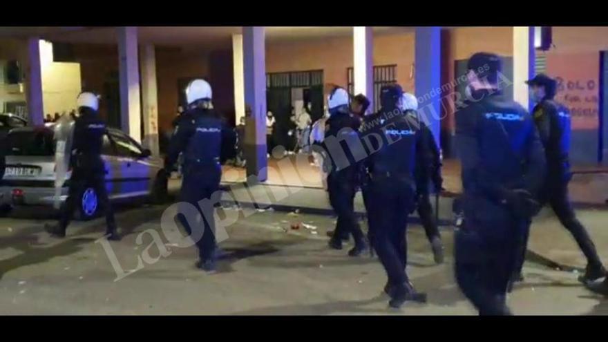 La Policía dispersa una celebración multitudinaria en Espinardo