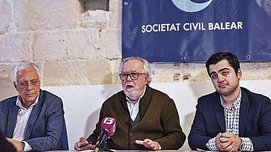 La protesta contra Pedro Sánchez llega hasta Palma