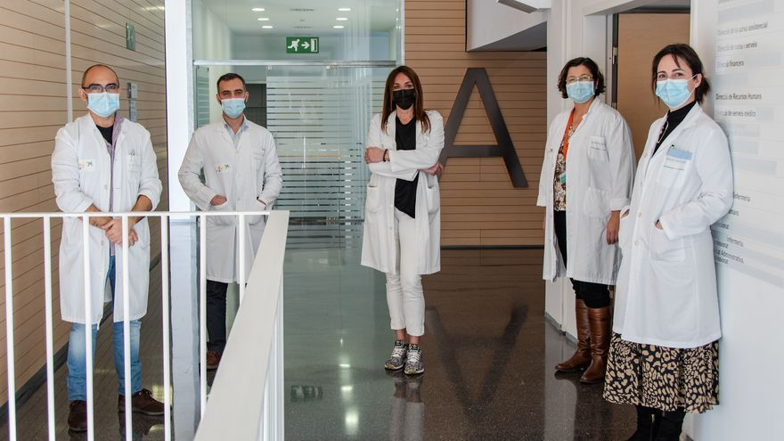 Un equipo especializado del hospital de Dénia hace seguimiento a 1.000 mayores de las residencias