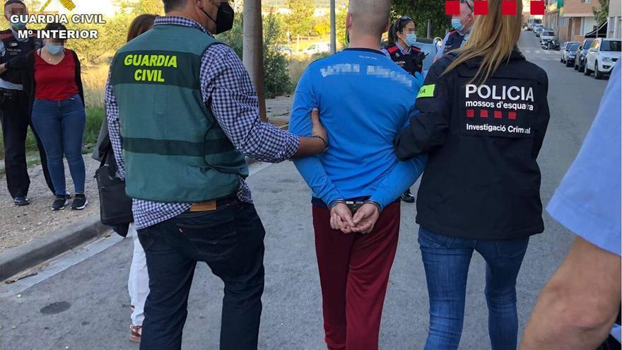 Catorce detenidos de una banda de ladrones que actuaba en Alicante, Madrid, Barcelona y Tarragona