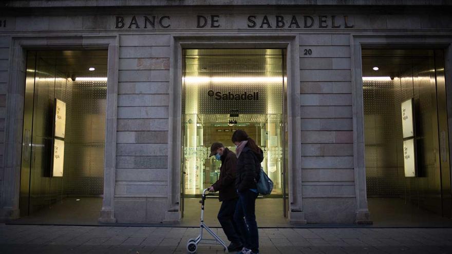 Galicia afronta otra oleada del ajuste bancario tras cerrar una de cada 10 oficinas el último año