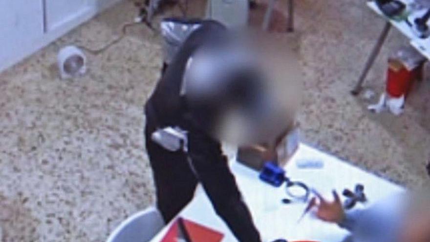 """Detenida una banda que hurtó móviles y carteras con el método de """"la muleta"""" en Zamora"""