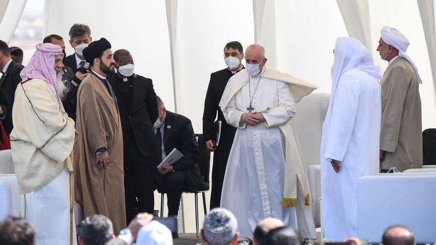 El papa Francisco se reúne en Irak con el ayatolá Al Sistani
