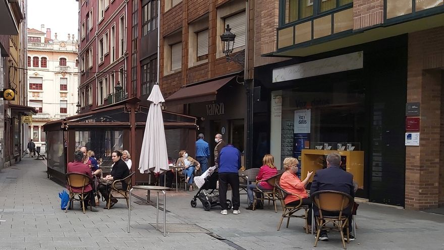 Los bares nocturnos de Langreo podrán abrir con las condiciones de las cafeterías