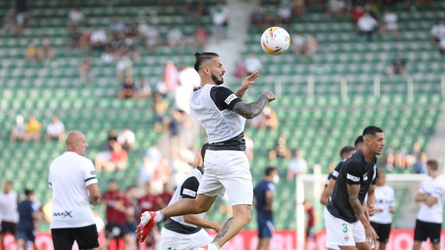 Benedetto debuta como titular en el Elche y Pedro Bigas es baja