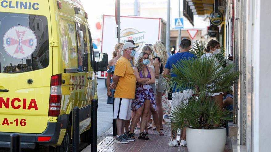 """Turistas en Ibiza: """"Los tests covid son más caros en la isla"""""""