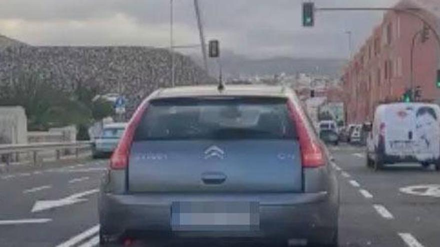 Un reproche entre conductores acaba en accidente en Canarias