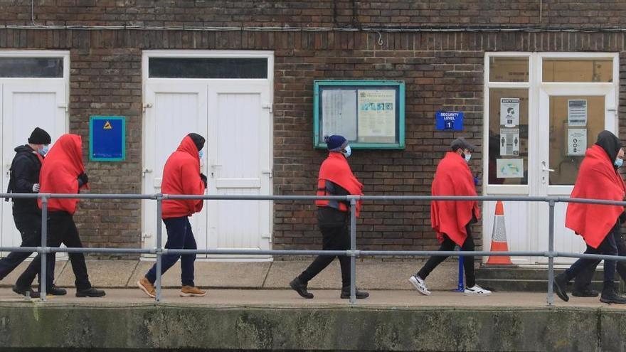 Detenidos 36 inmigrantes que cruzaban el Canal de la Mancha
