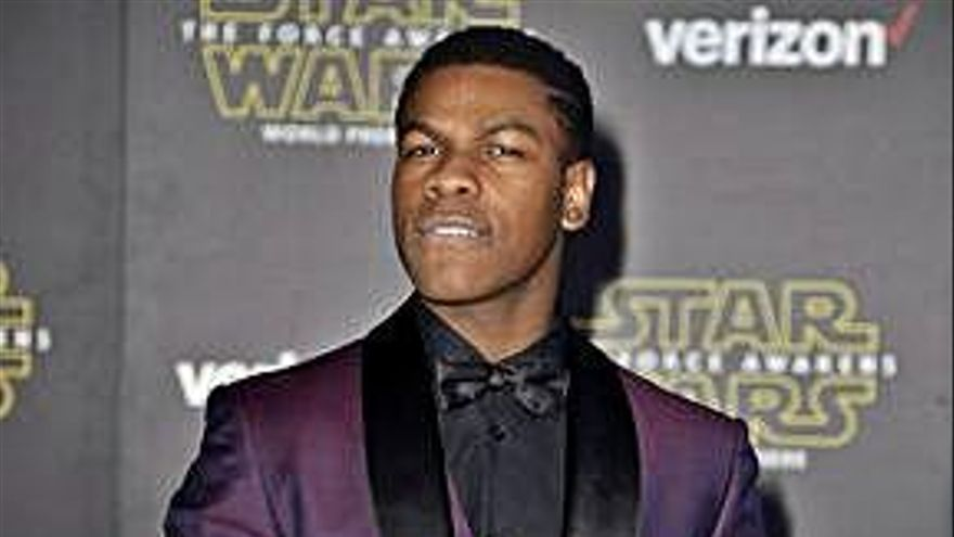 Boyega reconoce que fue él quien perdió un guion de 'Star Wars'