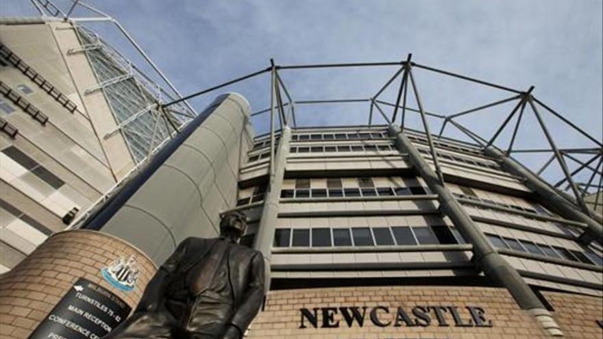 Un fondo de inversión de Arabia Saudí compra el Newcastle y lo convierte en el equipo más rico del mundo