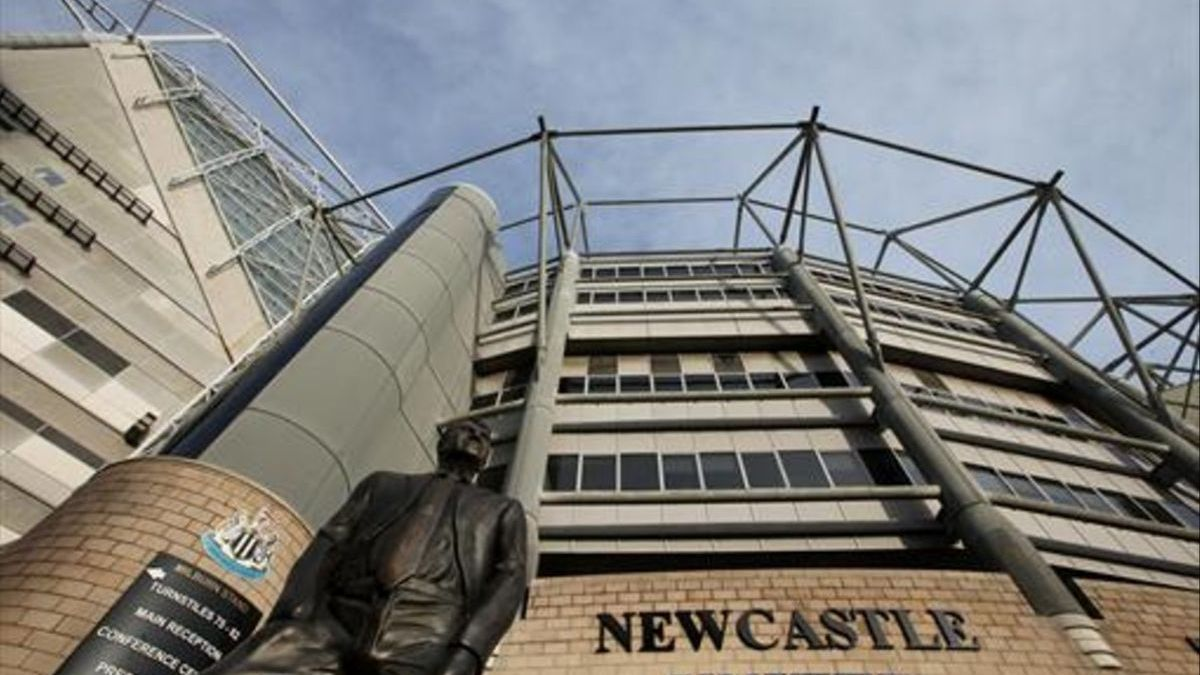 The facade of the Newcastle field.