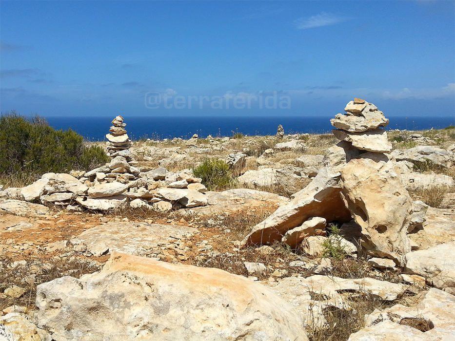 Steinmännchenbauer am Werk auf Mallorca