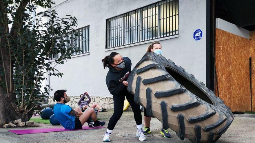 ¿Cuál es el máximo de personas que pueden hacer deporte al aire libre en Castellón?
