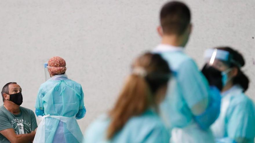 Contagios de coronavirus: Más de 52.740 profesionales sanitarios se han contagiado de Covid-19 en España