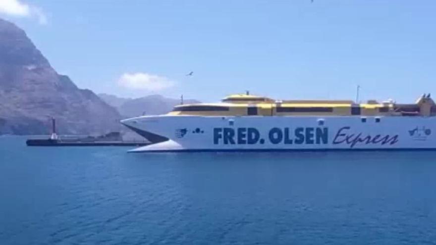 Primera salida del 'Bentago Express' desde Agaete a Santa Cruz de Tenerife tras su reparación (07/05/21)