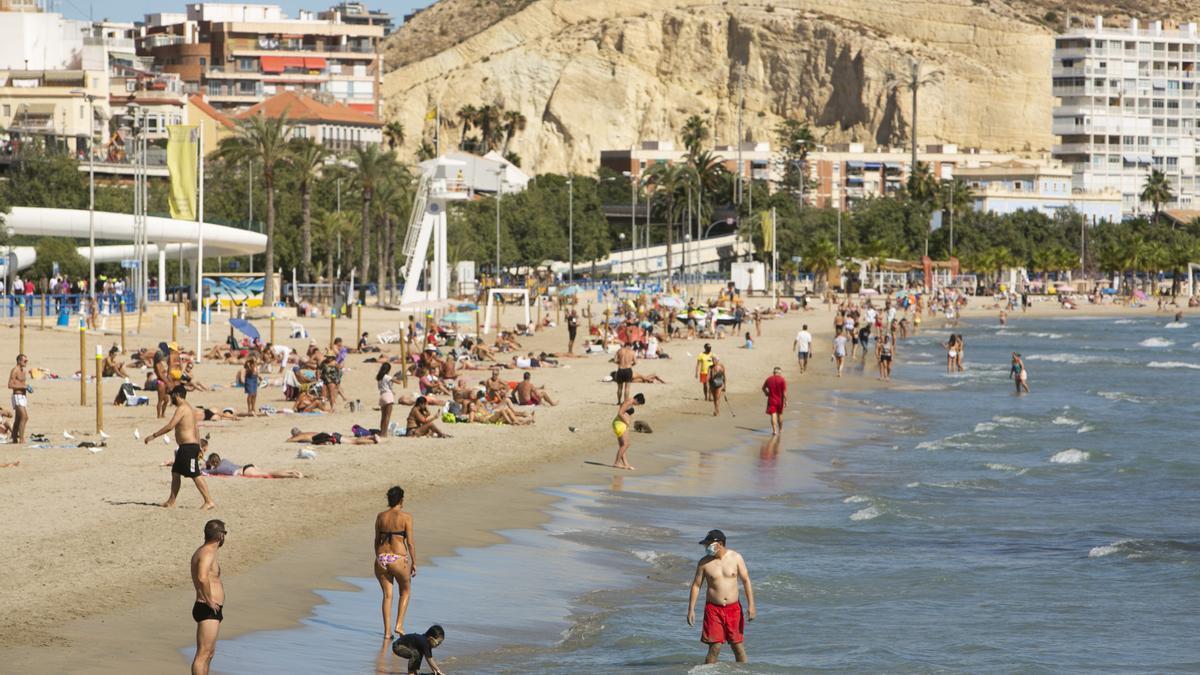 Consulta el listado de playas de la provincia de Alicante que tienen bandera azul en 2021