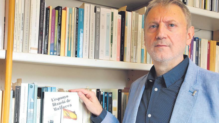 Pere Salas Vives: «Ahora muchos mallorquines se sienten españoles, pero antes no era así»