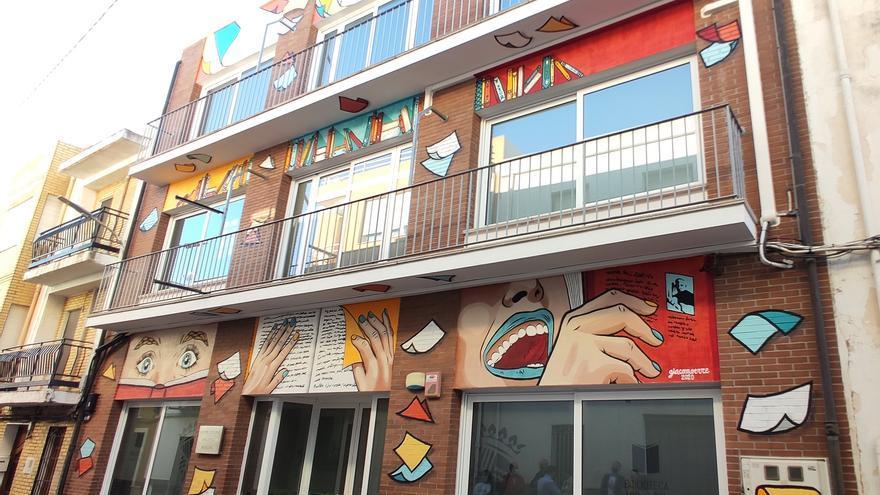 Benitatxell adquiere para su biblioteca los libros LGTBIQ+ retirados en Castellón