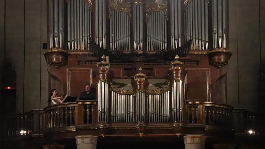 El president de la Fundació Franz Schubert, Jordi Roch, explica que el concert de Goerne a Castelló