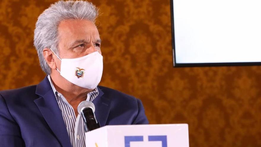 Ecuador espera 2.000 millones del FMI tras revisar un acuerdo de deuda