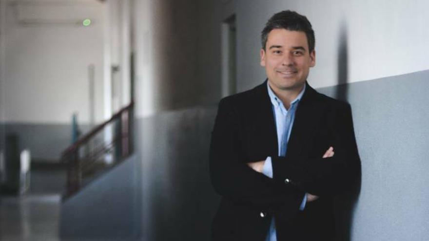 El concejal José Luis Lorenzo pide disculpas a los funcionarios de San Vicente a los que insulta en un chat