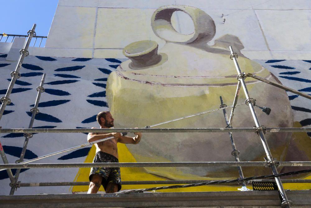Manolo Mesa, en el mural de San Antón