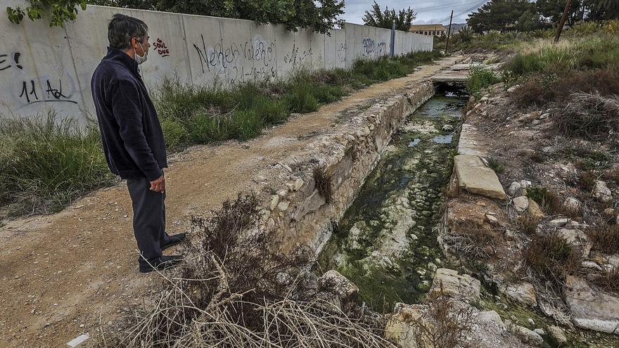 La Acequia Mayor necesita más de un millón para rehabilitar los canales que riegan el Palmeral