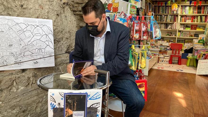 El periodista José Antonio Sau presenta su nuevo libro 'Historia de un suicida'