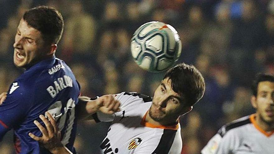 El Levante llega al #SUPERDerbi con medio equipo titular apercibido