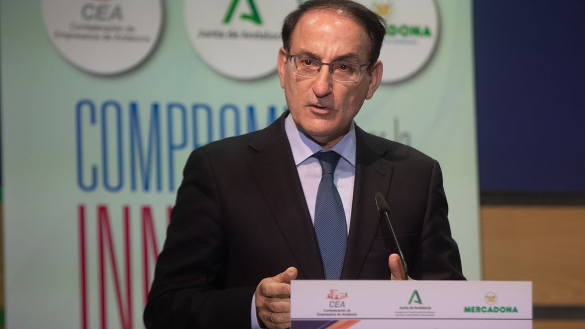 El presidente de la CEA, Javier González de Lara.