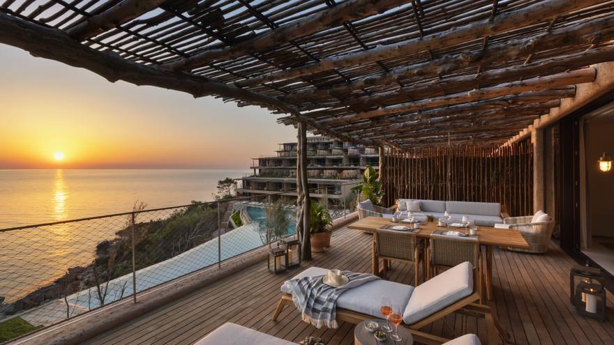 Six Senses Ibiza abre en la bahía de Cala Xarraca