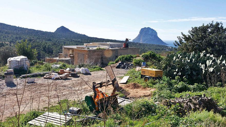 El GEN exige que se dé marcha atrás al alquiler turístico de casas payesas