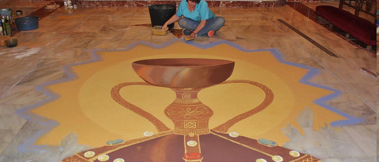 Vilallonga Relleu en la creació del mural de serradura amb motiu del Corpus | J. A. ROSELLÓ
