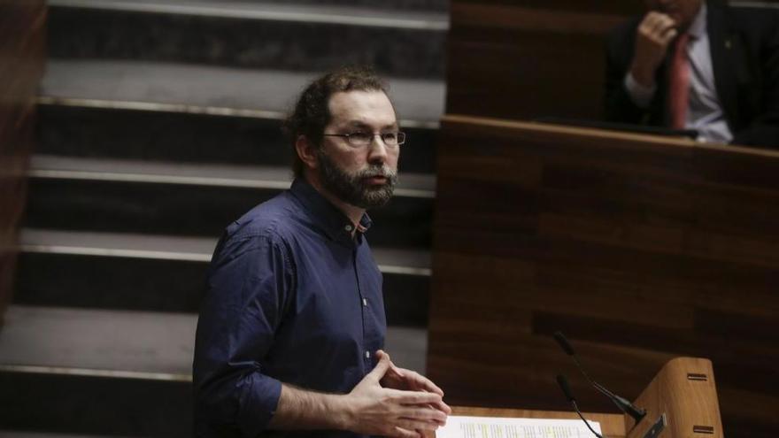 """León afirma que """"no hay connotación política"""" en su cese como portavoz de Podemos en la Junta"""