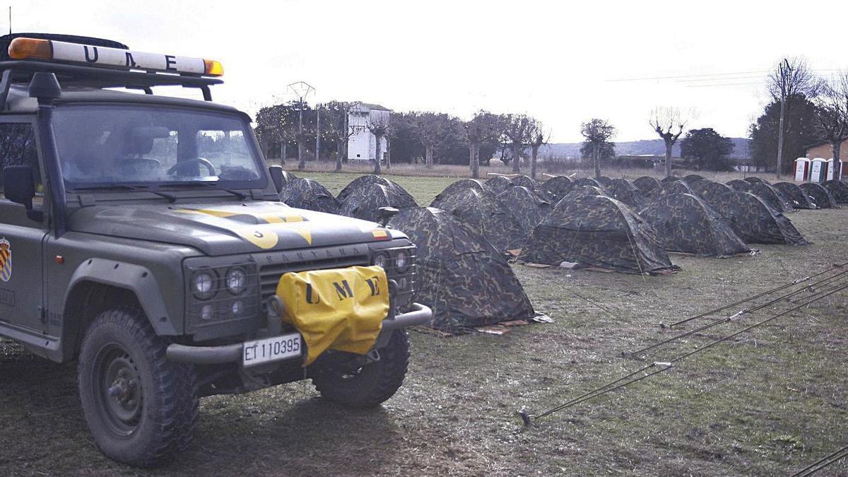 Maniobras de la UME en el campamento militar de Monte la Reina.