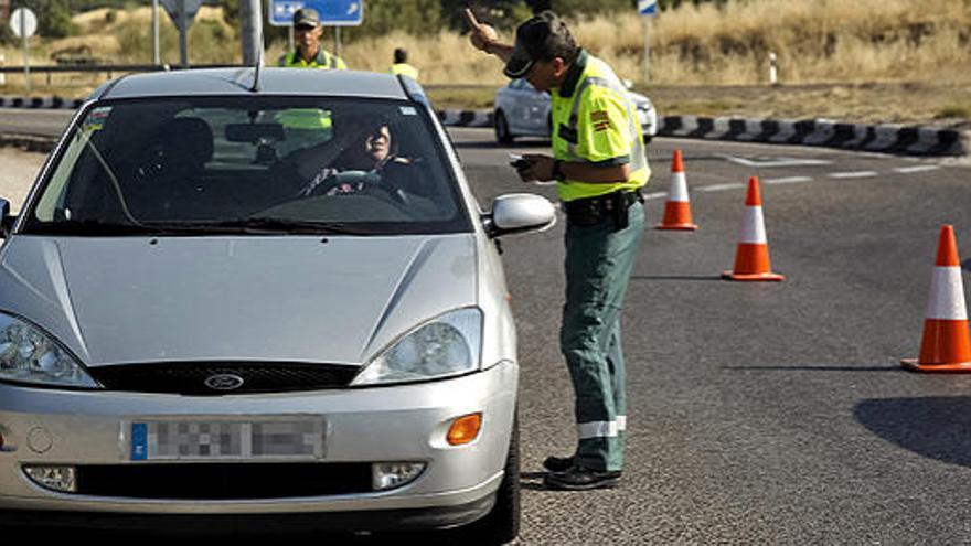 Detenido un turista en Lanzarote al ser pillado circulando borracho en un coche robado