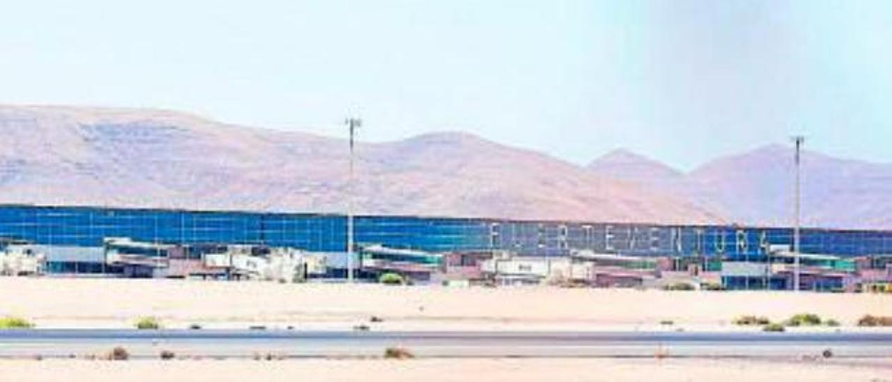 La capital cambia el nombre del aeropuerto, que se llamará Las Parteras y no de Fuerteventura