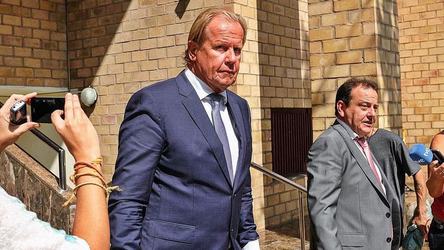 El juzgado condena a Matthias Kühn a demoler las obras ilegales de Tagomago