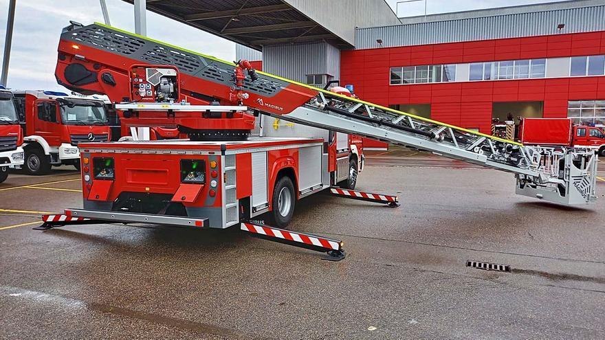 Bombers de Palma cuentan ya con una autoescala de 32 metros para los incendios
