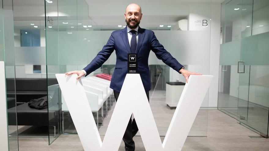 El dentista pontevedrés Ángel Lorenzo, reconocido por las clínicas de Odontología Slow