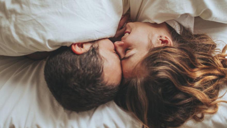 Los empleados que tuvieron sexo el día anterior son más productivos y comprometidos