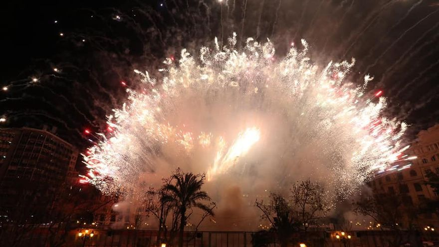 FALLAS 2021: Dónde ver la Nit del Foc y a qué hora es el castillo de esta noche en València
