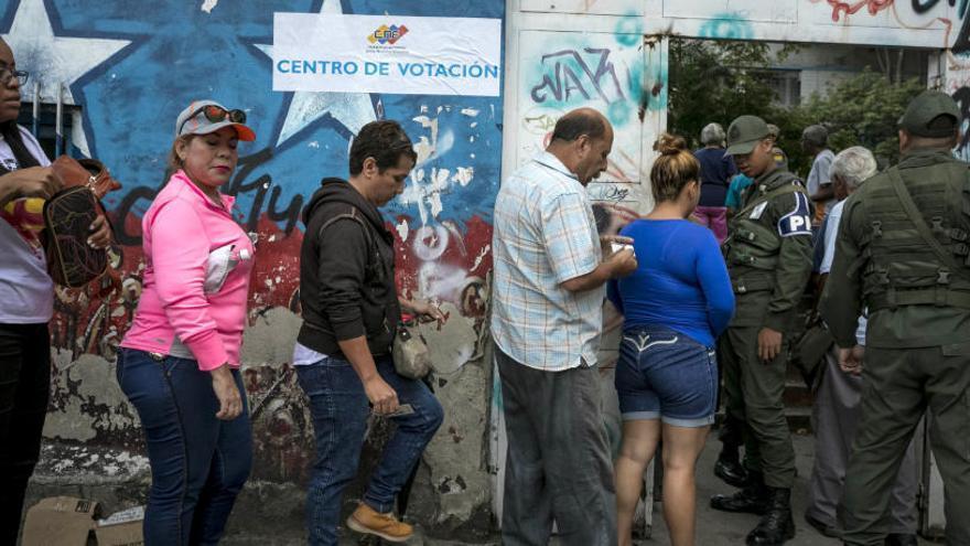 Los venezolanos eligen hoy a sus 23 gobernadores